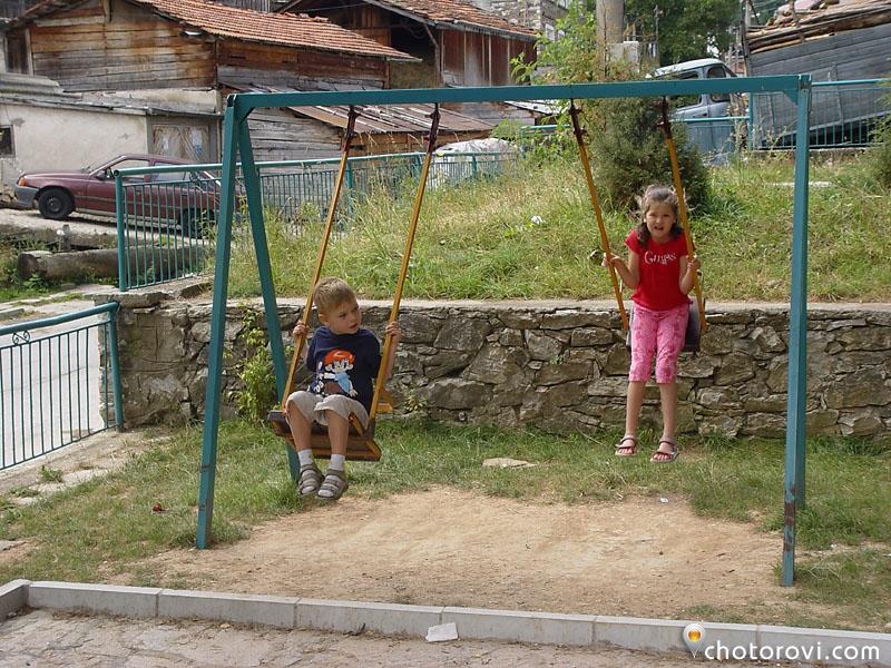 с. Забърдо - детската площадка