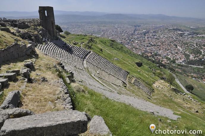 Амфитеатърът в Пергам