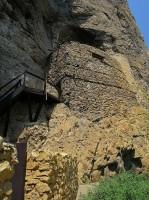 Rock_Monastery_Gligora